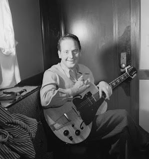 Penemu Gitar Listrik - Leas Paul Gibson